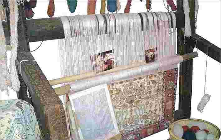 巴基斯坦的手工地毯从土耳其跳动