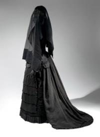 大都会博物馆展出哀悼服装今年秋季
